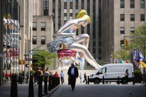 Koons Ballerine assise installations
